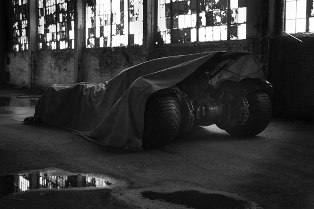BatmanVsSuperman_ZackSnyder_Batmobile_small