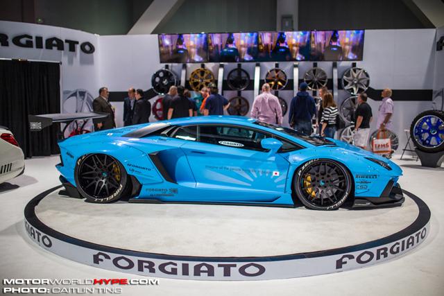 SEMA2014_LibertyWalk_LamborghiniAventador_small