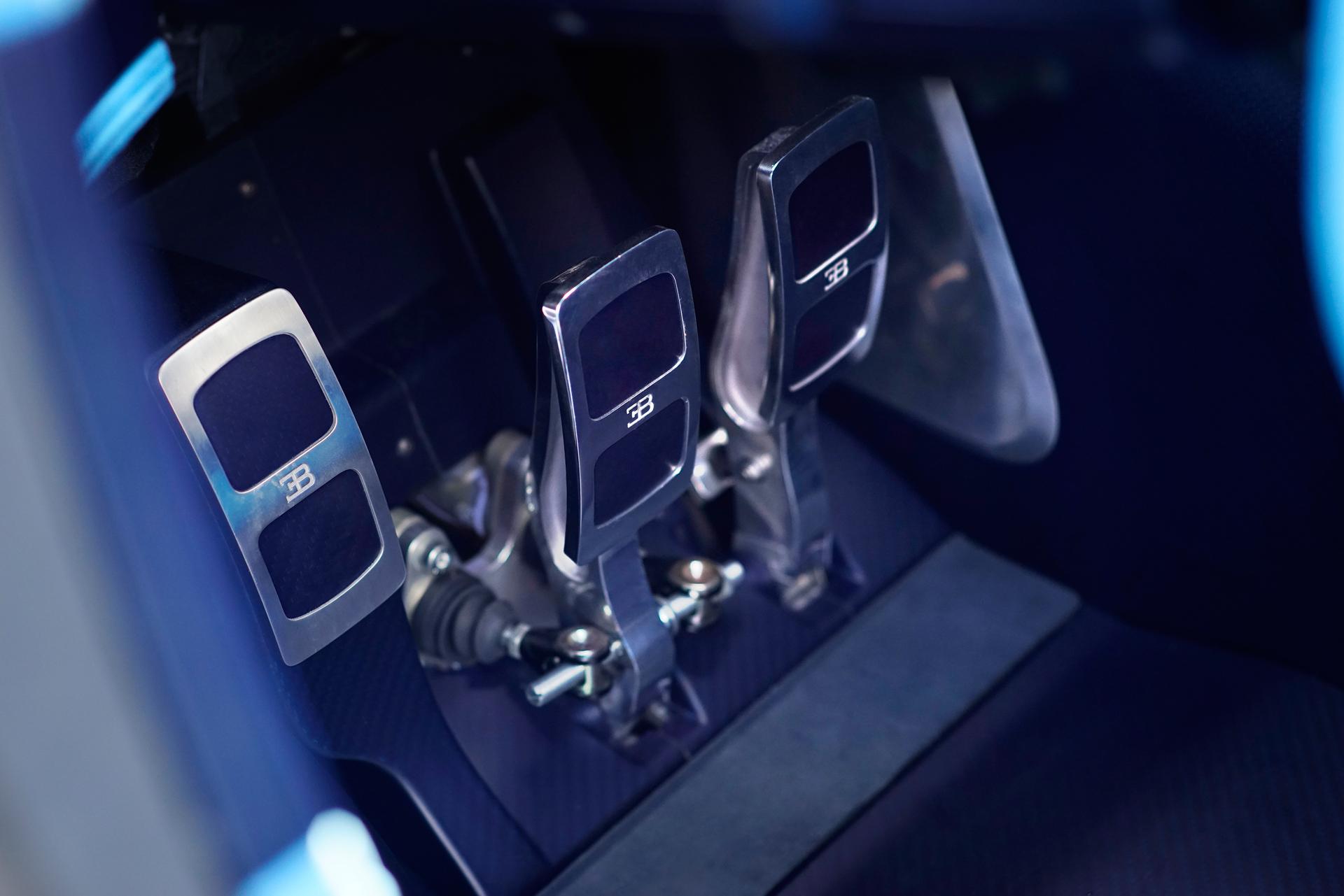 Bugatti_Vision_GranTurismo_reveal_30