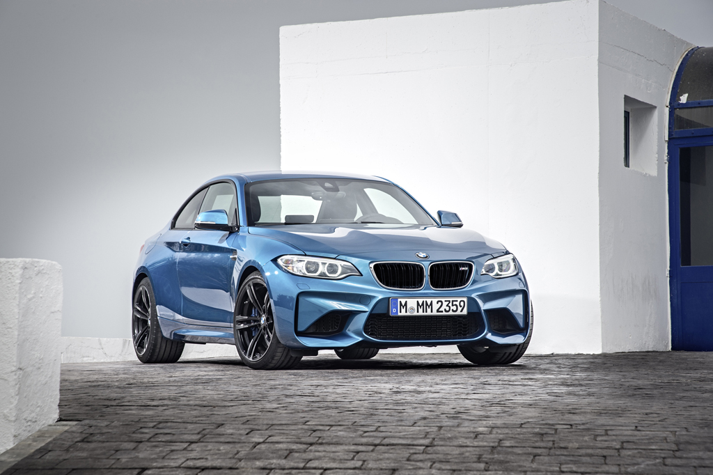 2016_BMW_M2_Coupe_10