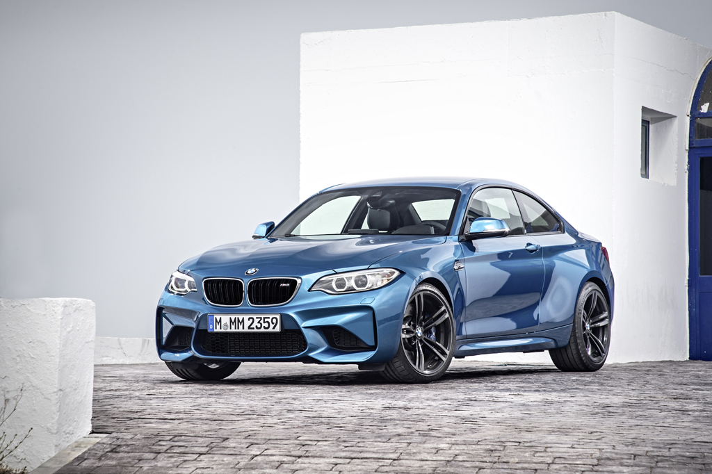 2016_BMW_M2_Coupe_11