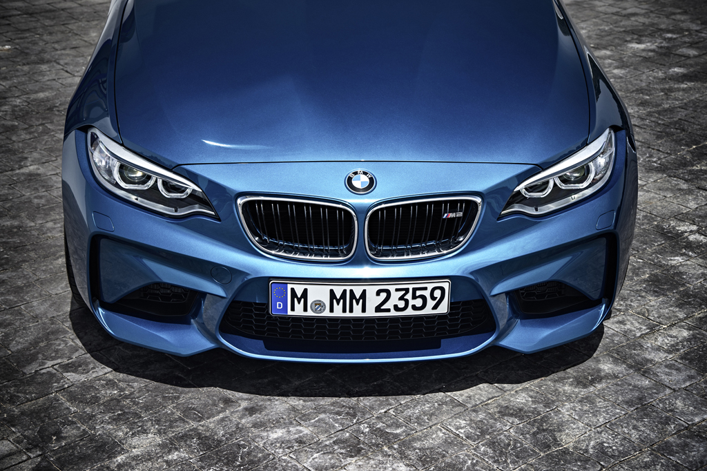 2016_BMW_M2_Coupe_45