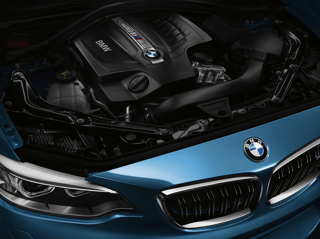 2016_BMW_M2_Coupe_51