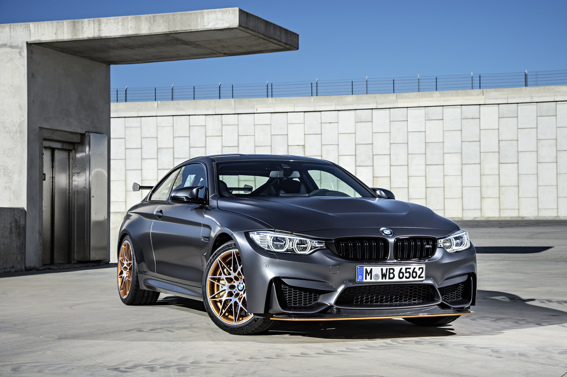 BMW_M4_GTS_12