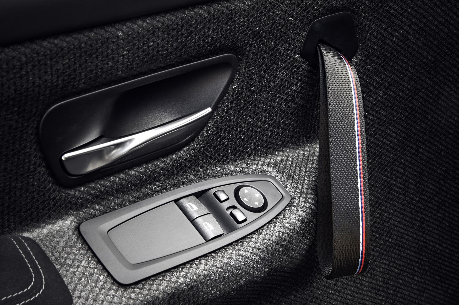 BMW_M4_GTS_35