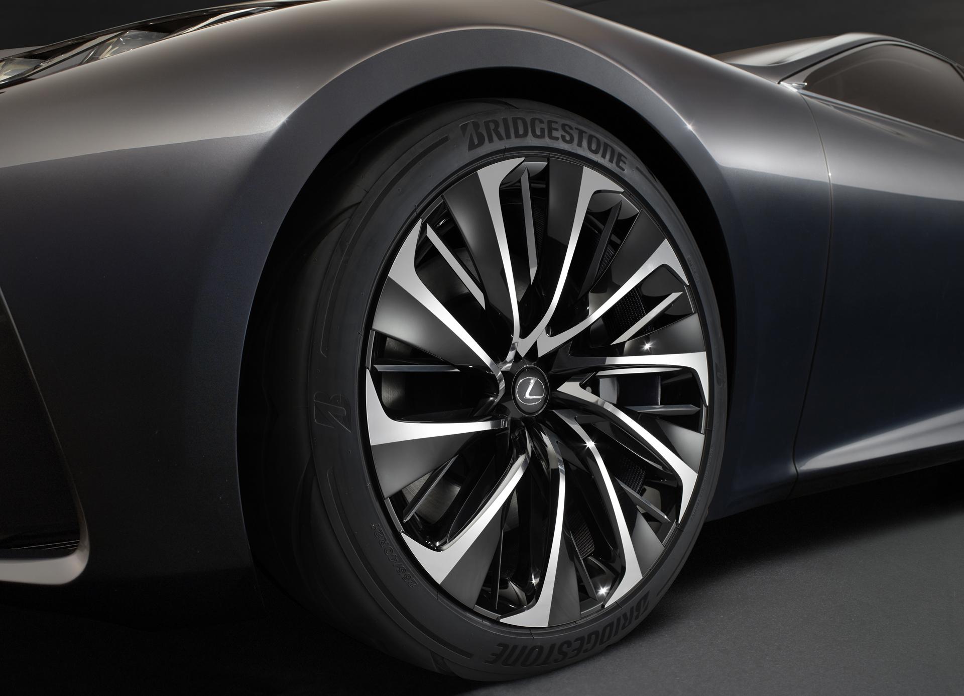Lexus_LF_FC_Concept_13