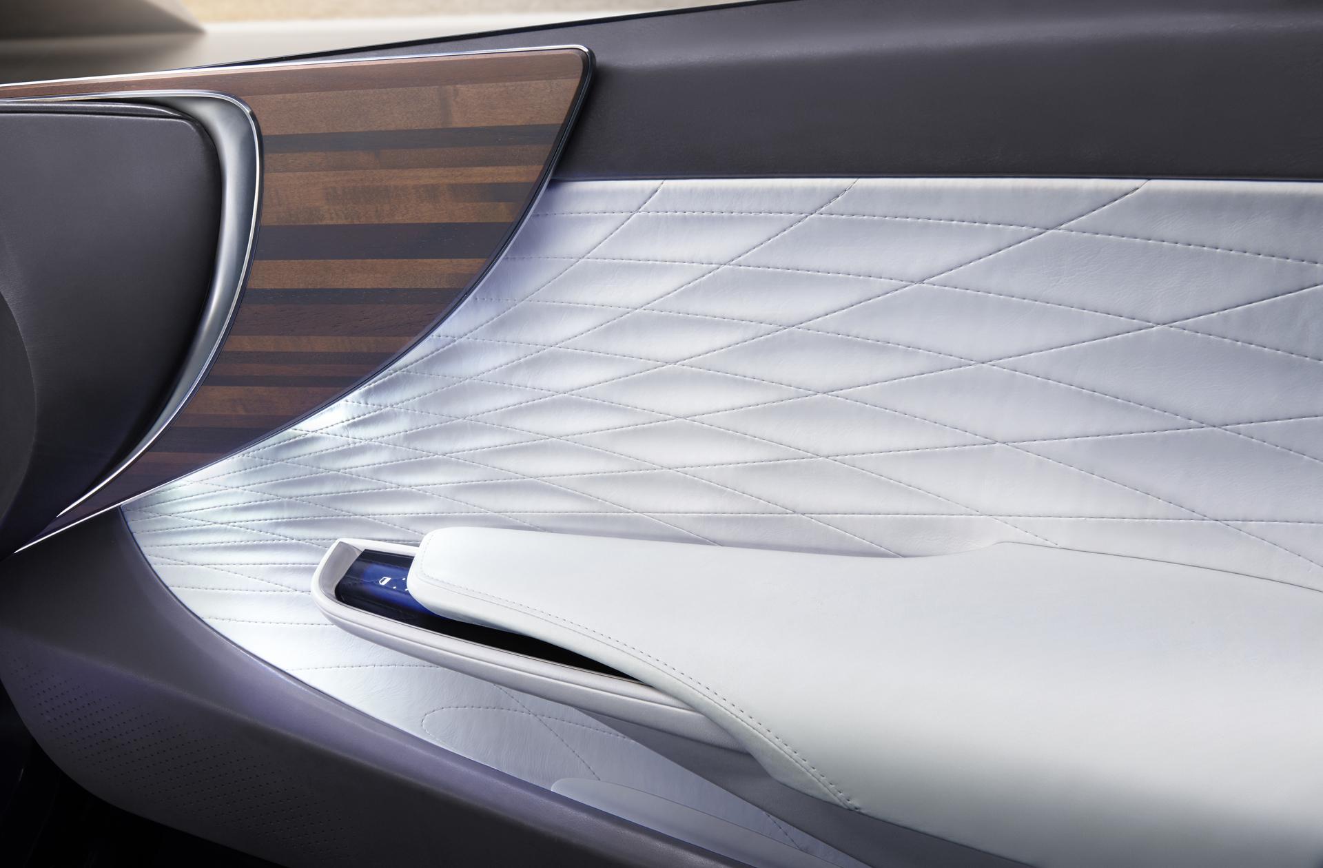 Lexus_LF_FC_Concept_18