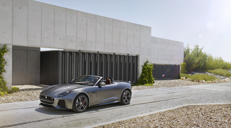2017_Jaguar_F-TYPE_SVR_19