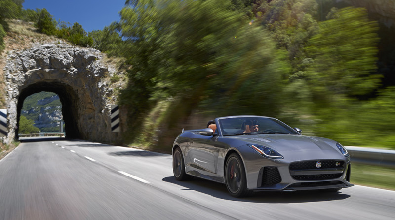 2017_Jaguar_F-TYPE_SVR_22