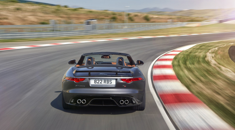 2017_Jaguar_F-TYPE_SVR_26