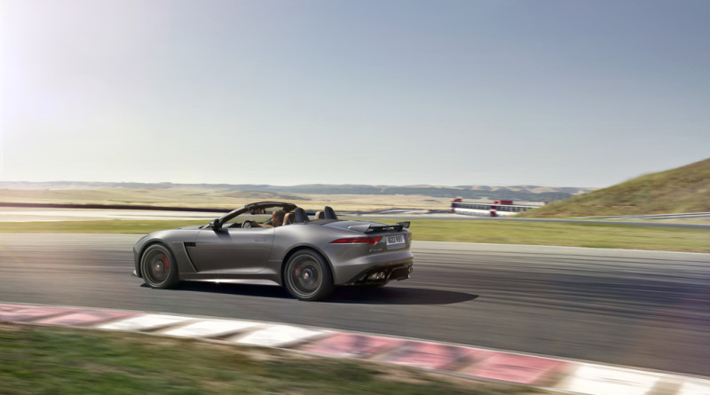 2017_Jaguar_F-TYPE_SVR_29