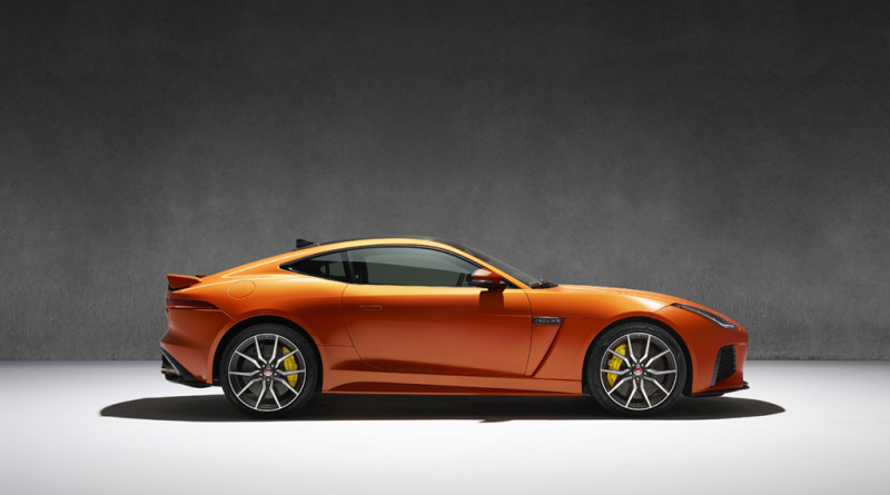 2017_Jaguar_F-TYPE_SVR_40