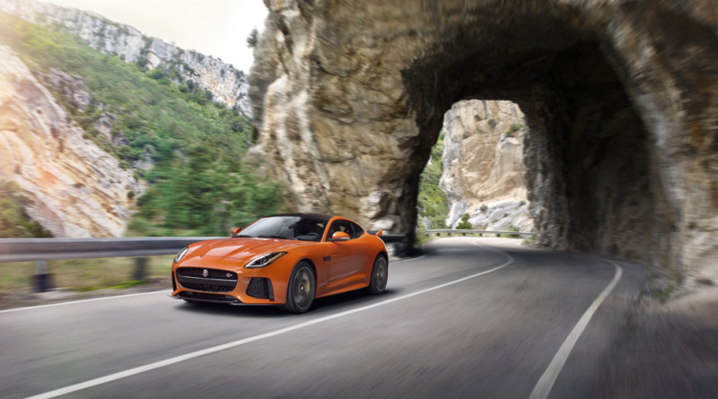 2017_Jaguar_F-TYPE_SVR_5