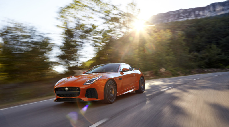 2017_Jaguar_F-TYPE_SVR_6