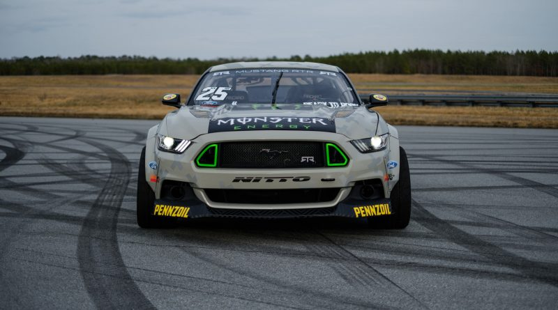 2017-RTR-Motorsports-Vaughn-Gittin-Chelsea-DeNofa-test-16