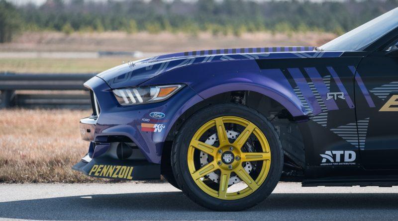 2017-RTR-Motorsports-Vaughn-Gittin-Chelsea-DeNofa-test-22