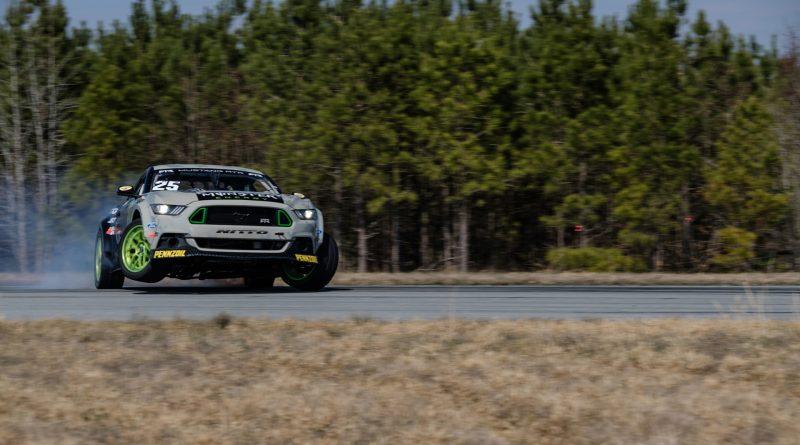 2017-RTR-Motorsports-Vaughn-Gittin-Chelsea-DeNofa-test-6