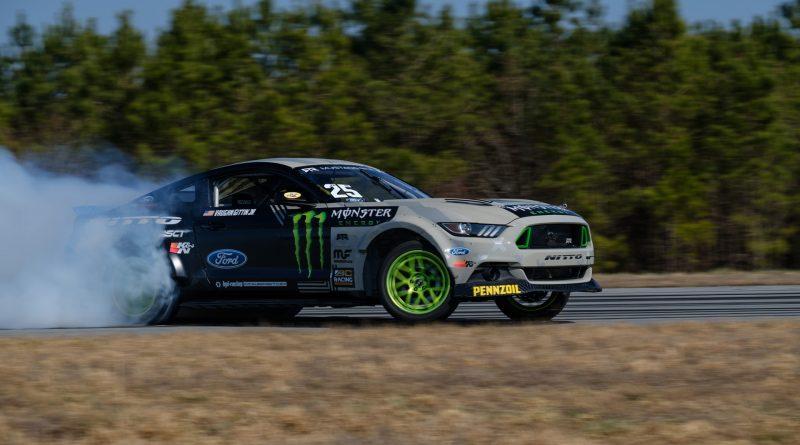2017-RTR-Motorsports-Vaughn-Gittin-Chelsea-DeNofa-test-7