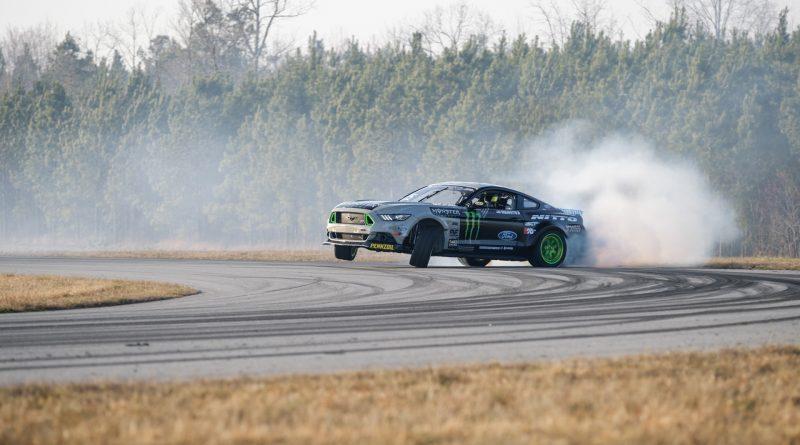 2017-RTR-Motorsports-Vaughn-Gittin-Chelsea-DeNofa-test-7.1