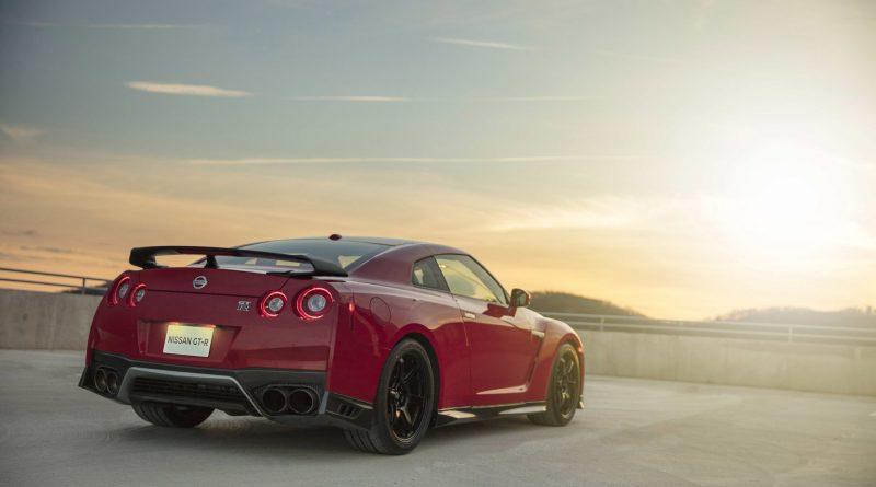 2017_Nissan_GT_R_Track_Edition_04