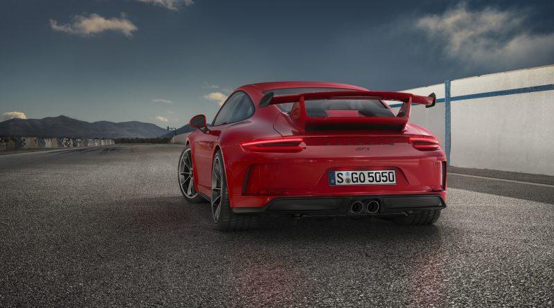 2018_Porsche_911_GT3_10