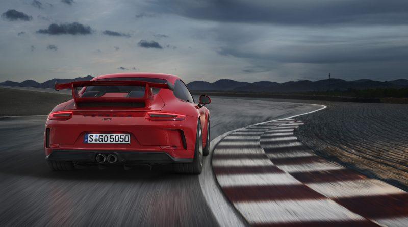 2018_Porsche_911_GT3_11