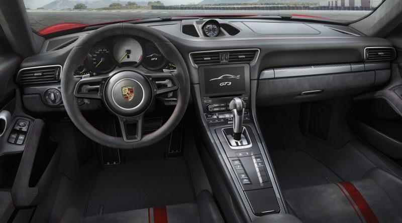 2018_Porsche_911_GT3_12