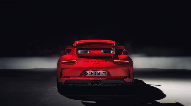 2018_Porsche_911_GT3_2