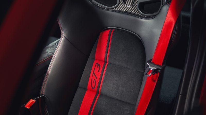 2018_Porsche_911_GT3_4