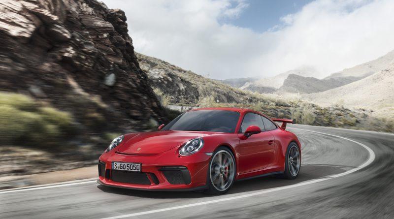 2018_Porsche_911_GT3_7