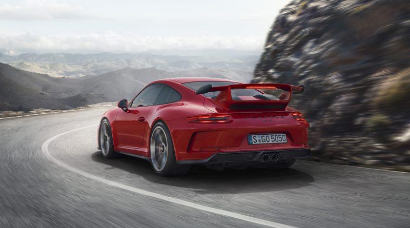 2018_Porsche_911_GT3_9