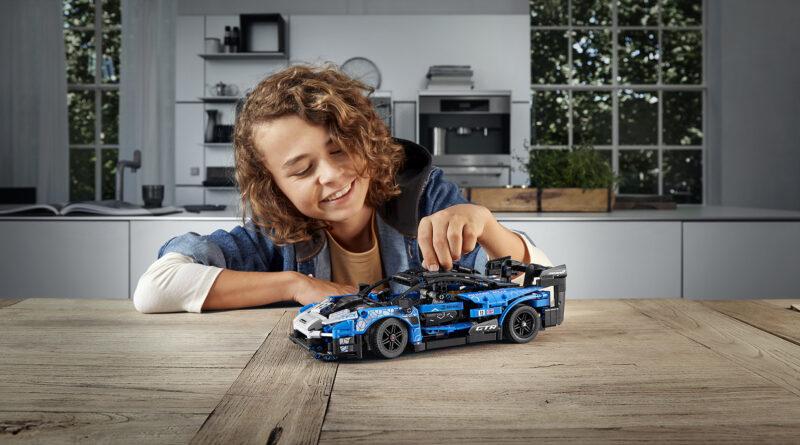 LEGO Technic McLaren Senna GTR set