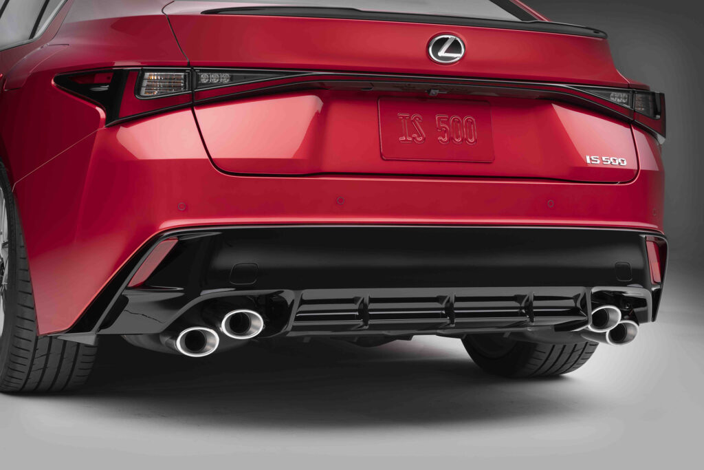 Lexus IS 500 F Sport Performance rear diffuser and quad-tip exhaust