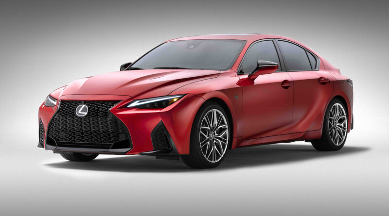 Lexus IS 500 F Sport Performance side quarter view