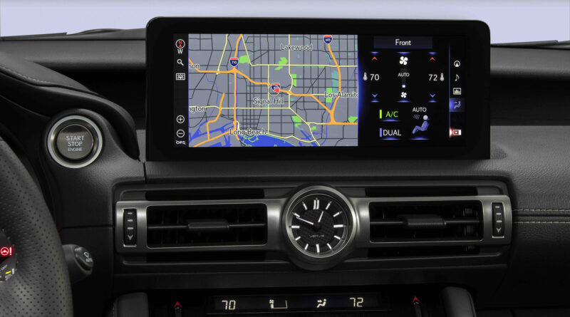 Lexus IS 500 F Sport Performance GPS screen