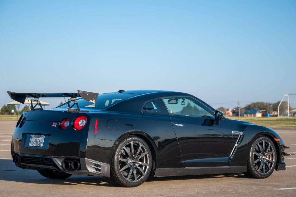 Jet Black Pearl 2014 Nissan GT-R with 1,000 horsepower for sale on CarsAndBids.com