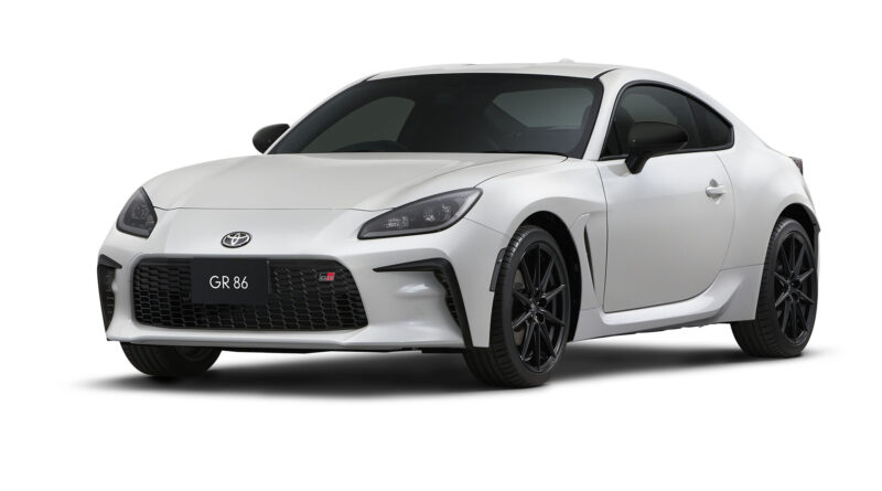 white 2022 Toyota GR 86 front view