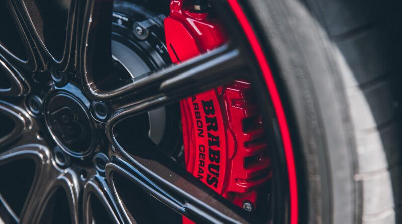 The Brabus 800 sedan based on the Mercedes-AMG E 63 S. (red brake caliper)